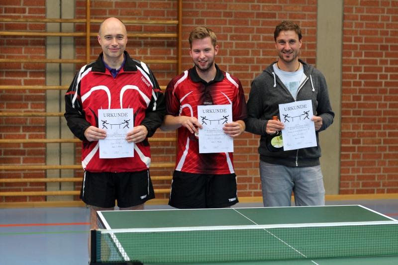 Die Erstplatzierten der B-Klasse: 1. Dominik Schmidt (TG Veitshöchheim, mitte) 2. Volker Lorrmann (TSV Güntersleben, rechts) 3. Jürgen Müller (TG Veitshöchheim, links)